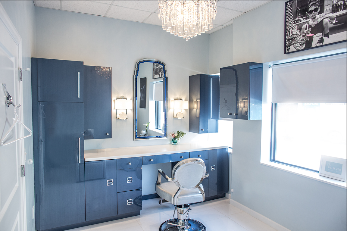 Private suite for weaves and other hair treatments modern